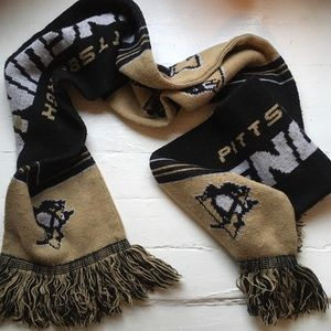 Pittsburgh Penguins NHL Black and Gold Scarf